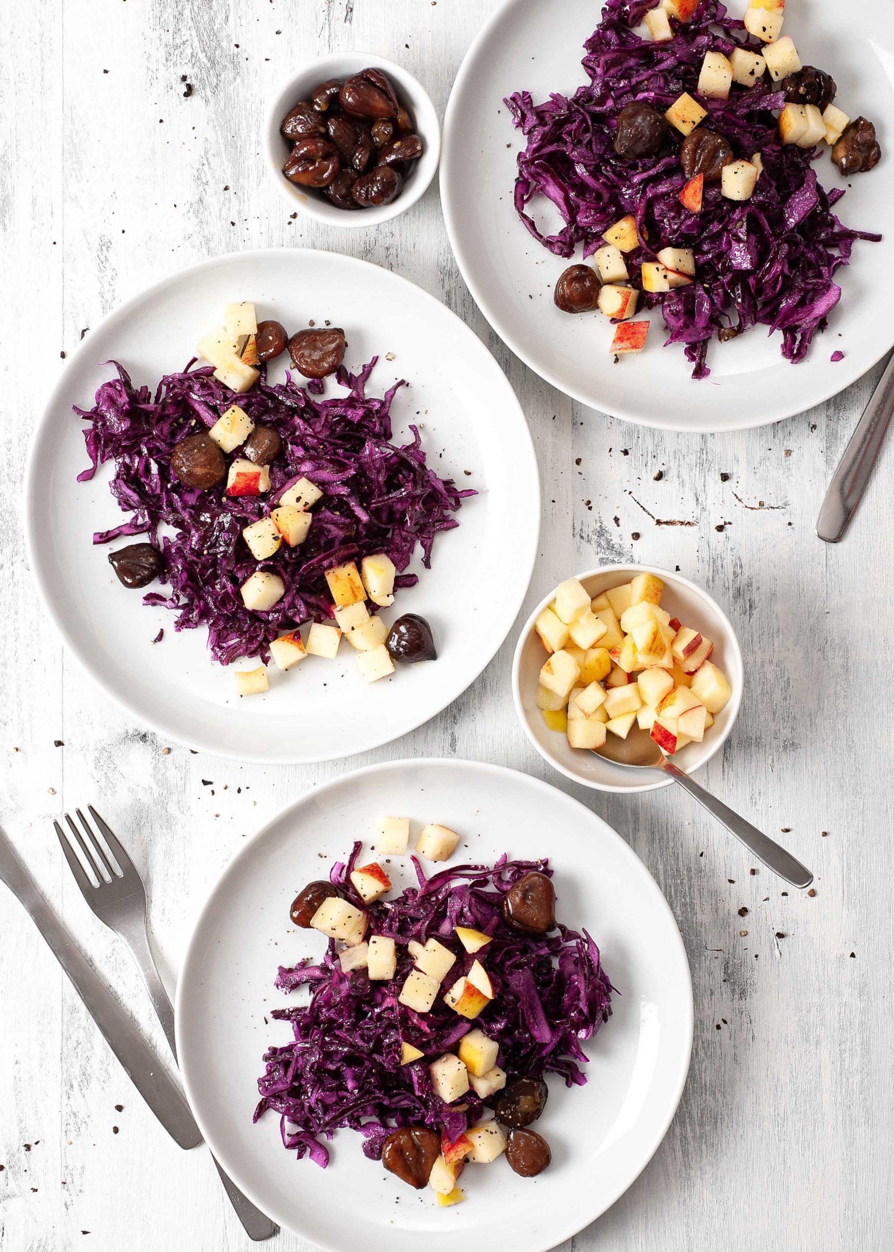 Rotkohlsalat mit glasierten Maronen und Äpfeln 1