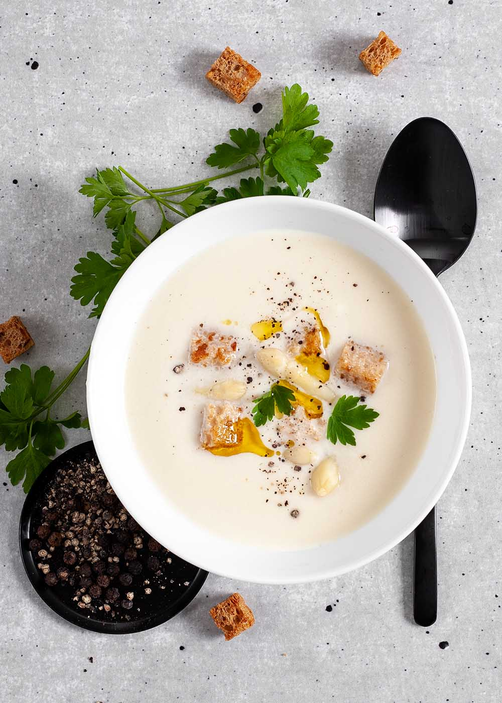 Spargelsuppe mit Croutons 3